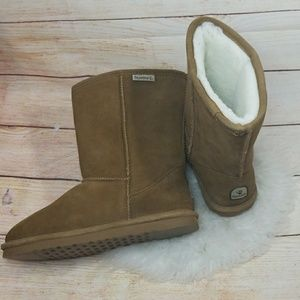 NWOT BearPaw calf pull on furry boots size 10 NWOT